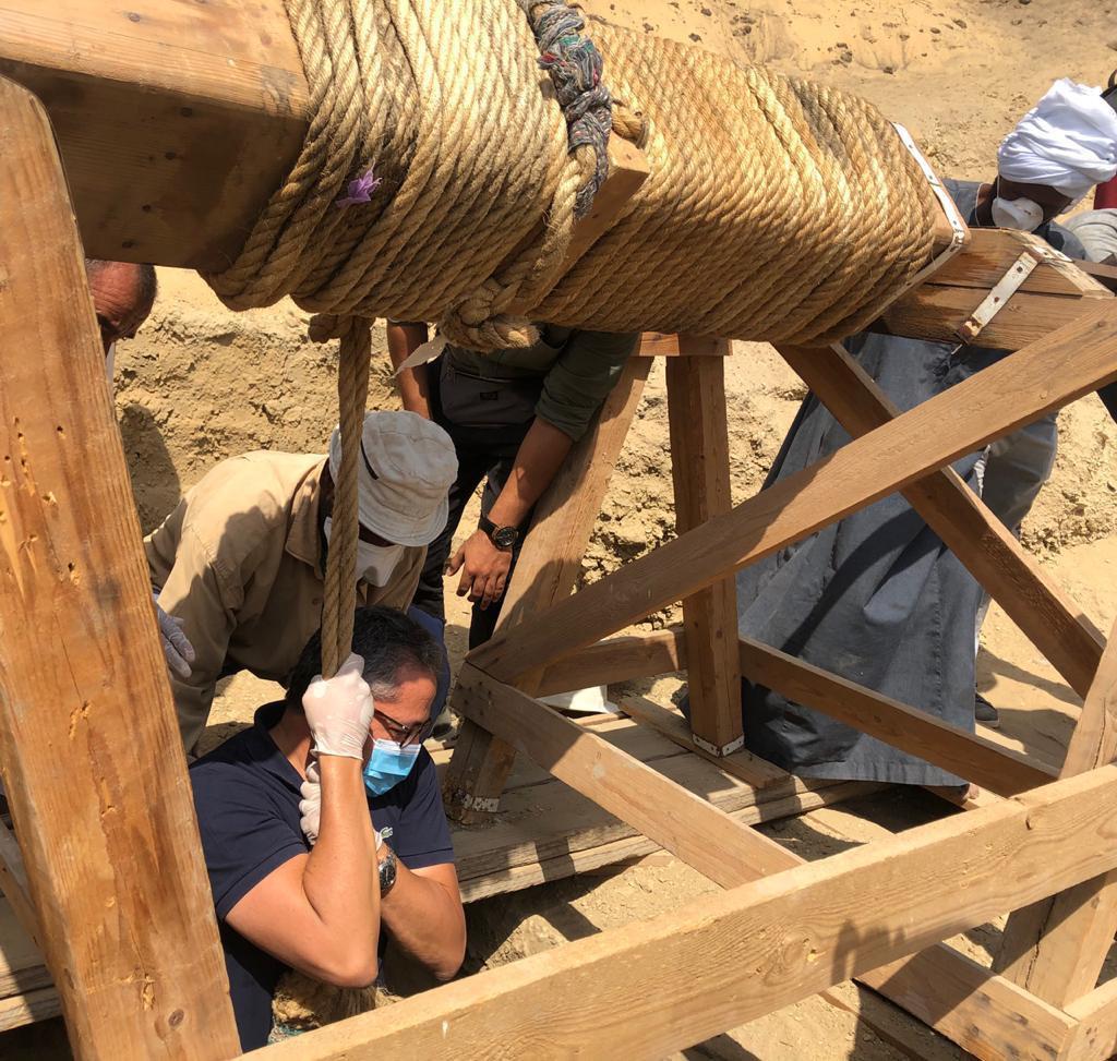 اكتشاف 13 تابوت آدمي في منطقة آثار سقارة