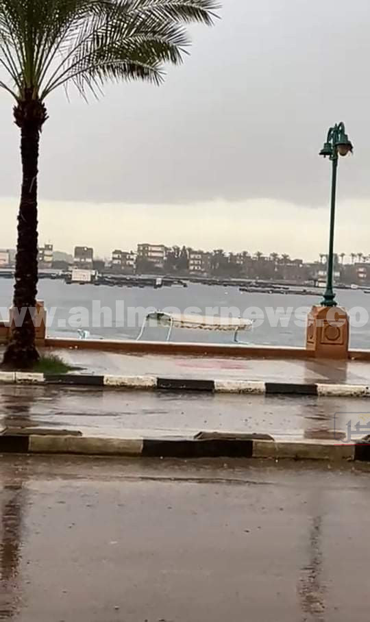 موجة الطقس السيىء تضرب البحيرة