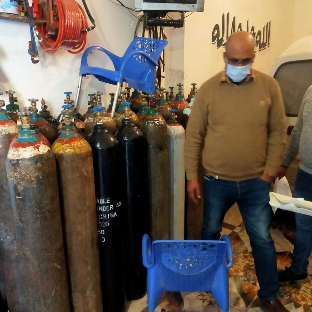 ضبط كميات من اسطوانات الأكسجين بدون ترخيص وتباع بأسعار مرتفعة في البحيرة