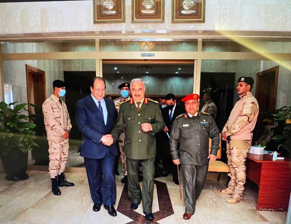 الوزير عباس كامل