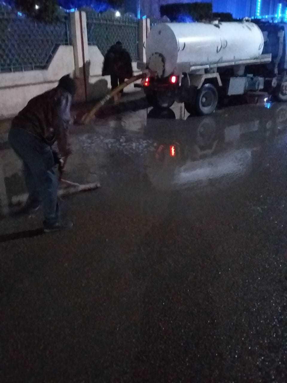 رفع مياه الأمطار بالشوارع البحيرة