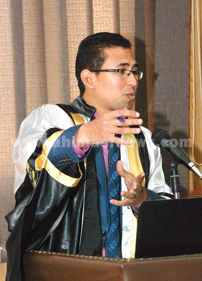 الدكتور على ممدوح عضو هيئة تدريس بقسم الموسيقى بكلية التربية النوعية بجامعة أسيوط