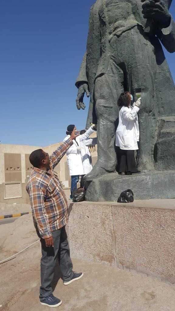 حملة تنظيف وصيانة التماثيل في الميادين