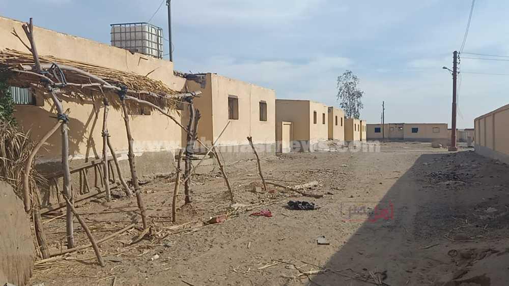 قرية اللقيطة المهجورة في قنا