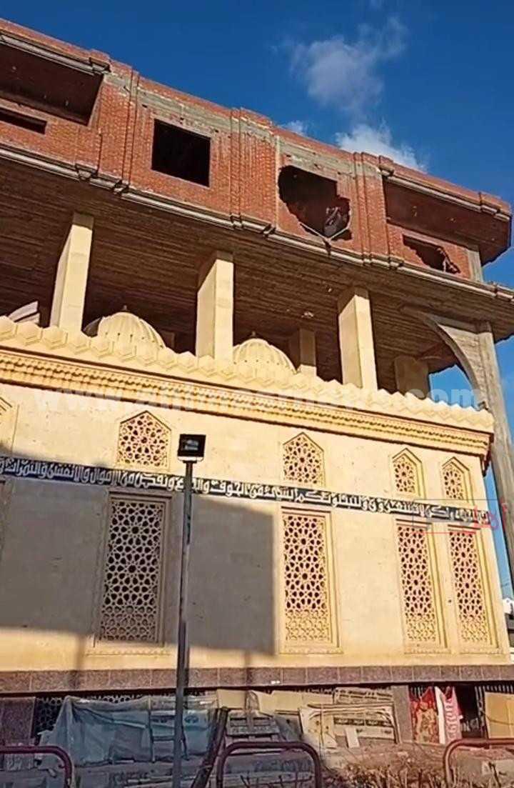 إزالة المبنى المقام فوق قبتي مسجد بالبحيرة