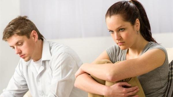 للنساء فقط.. 5 أشياء لاكتشاف الزوج الخائن