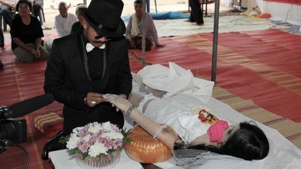 6620a12df أهل مصر: بينها نكاح الجثث.. أغرب حالات الزواج حول العالم