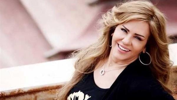 الفنانة السورية سلمى المصري تتعرض لحادث مروع