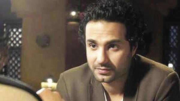 أهل مصر كريم فهمي يهنئ شقيقه على طرح فيلم الكويسينبدورالعرض