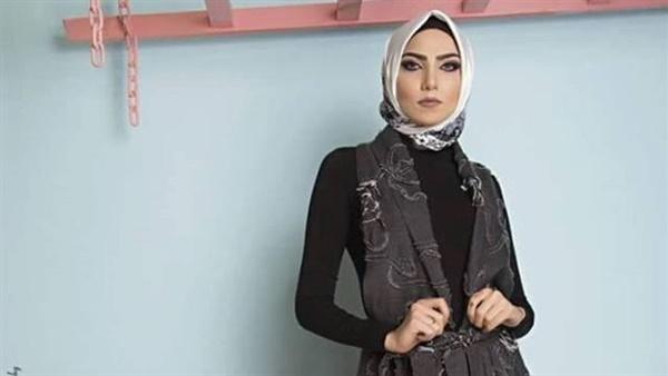 b18b2f860 بوسي علي مصممة أزياء مصرية: الألوان الدافئة موضة خريف 2018.. جسم الفتاة 3