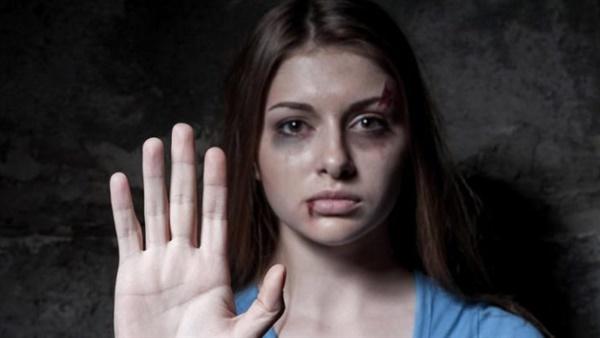 096a4824db0b7 أهل مصر  اليوم العالمي لمكافحة العنف ضد المرأة.. حكايات من ساحات محاكم  الأسرة.. سمر