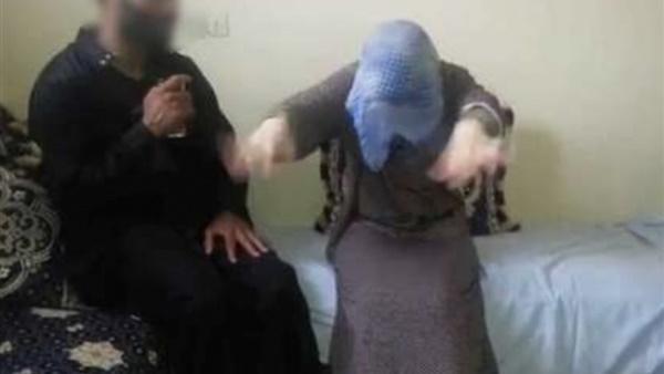 شيخ روحاني يحترف اغتصاب الفتيات وتصويرهن في أفلام جنسية لبيعها.. حدث في المغرب