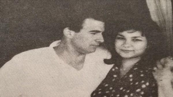 في لقطات نادرة.. هكذا استمرت زيجة رشوان توفيق لـ 62 عام حتى ودع شريكة العمر (فيديو وصور)   اهل مصر