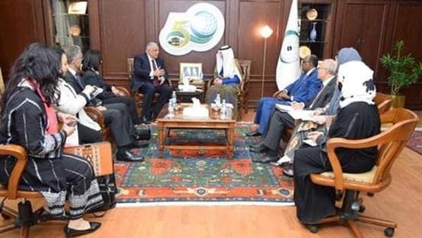 مايا مرسي تلتقي أمين عام منظمة التعاون الإسلامي